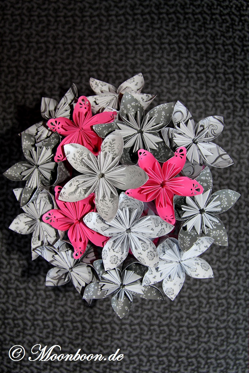 Brautstrauss Mit Fleurogami Kusudama Bluten In Pink S W
