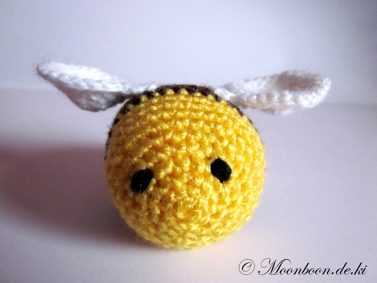Amigurumi-Biene Gabriel klein und schnell gehäkelt | 972x1296
